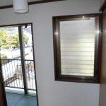 玄関横小窓